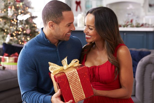 Gift Jewelry on Christmas to Your Wife to Spoil Her